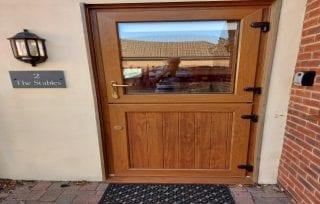 Cottage 2 door